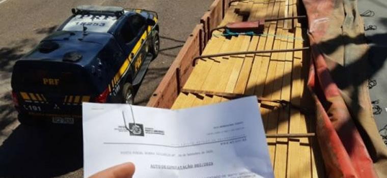 IFiscais do Indea/MT em parceria com PRF apreendem carga de madeira ilegal em Barra do Garças