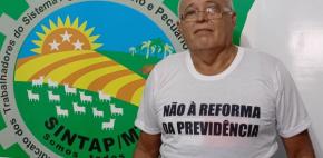 Sintap/MT e servidor aposentado prestam homenagem aos identificadores de madeira do Estado de Mato Grosso